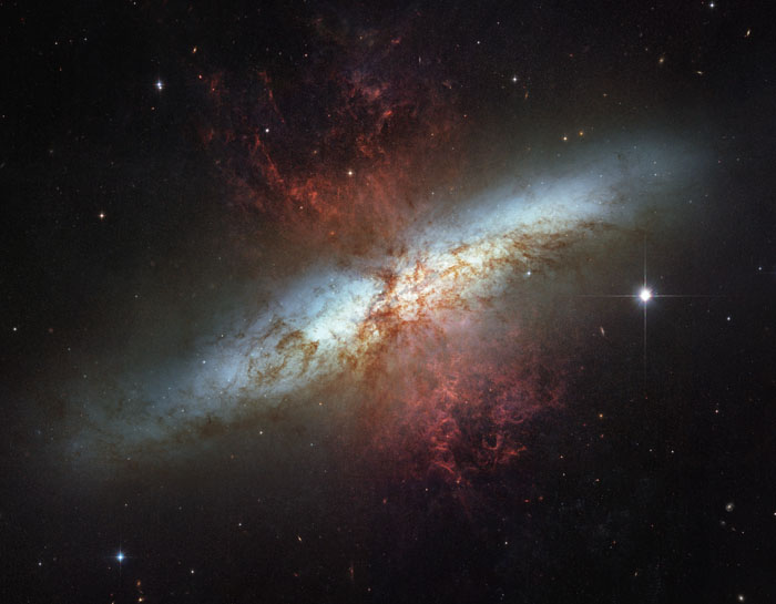 M82, l'archétype des galaxies starburst.